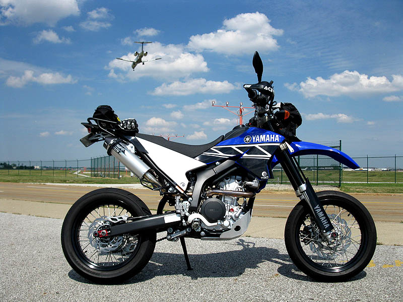 WR250X-2011-07-15-airport-1