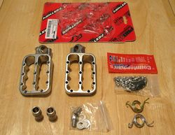 WR250R-Pro-Moto-Billet-Fastway-F5-footpegs-opened