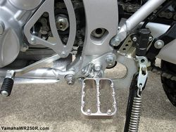 WR250R-Pro-Moto-Billet-Fastway-F5-footpegs-2