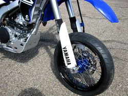 WR250R-SM-Pro-Supermoto-Wheels-front-2