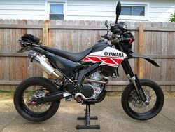 WR250X-2012-04-24-new-graphics-1