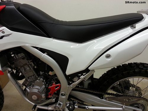 Honda-CRF250L-Seat-Concepts-All-Carbon-Standard-Height-2