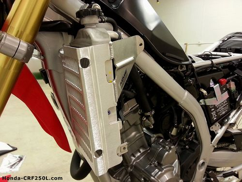 CRF250L-Flatland-Racing-Radiator-Guard-Installed