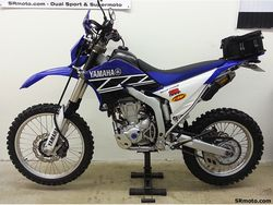 WR250R-Seat-Concepts-Low-Height-Blue-Black-Gripper-2