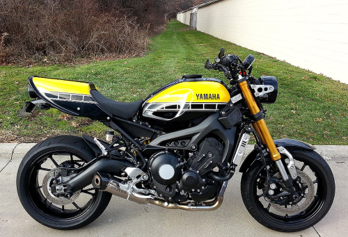 2016-Yamaha-XSR900-Winter-2017-1s