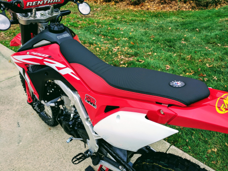 CRF450L-Seat-Concepts-Comfort-Seat-Low-Height-Red-Black-Low-Slip-4