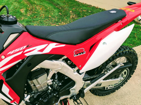 CRF450L-Seat-Concepts-Comfort-Seat-Standard-Height-Black-Gripper-Carbon-3
