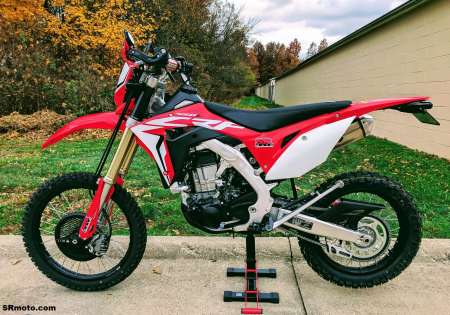 CRF450L-Seat-Concepts-Comfort-Seat-Standard-Height-Black-Gripper-Carbon-1