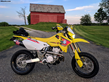 Suzuki-DRZ400SM-Yellow-Fall-2019-1